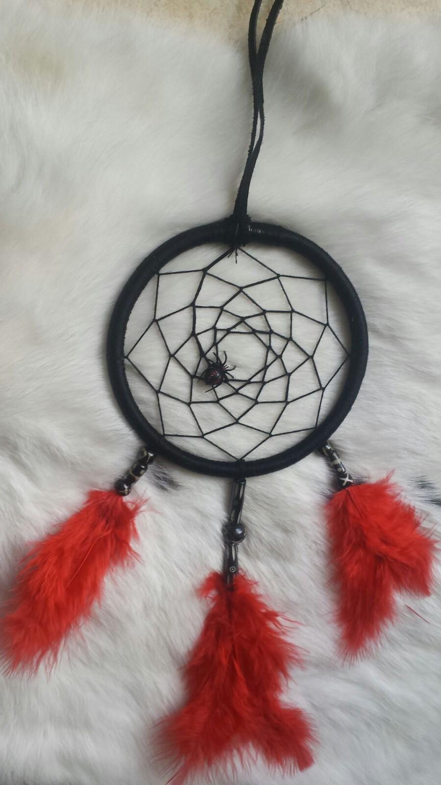 Traumfänger mit Spinne - schwarz rot